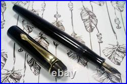 RARE MONTBLANC n° 2 BLACK-BF-1940 c. Gold nib EF