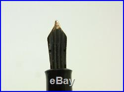 Rare NR MINT vintage black striated PELIKAN 400NN fountain pen 14ct OBB nib
