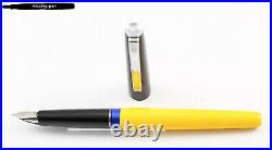 Rare Pelikan P472 Happy Fountain Pen in Black-Yellow with F-nib (1973 1977)