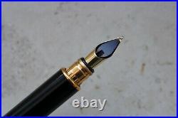Rare S. T. DUPONT GATSBY Black Fountain pen 18K M nib Perfect