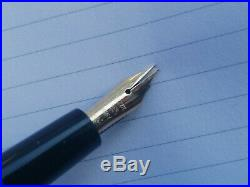 Vintage Reform Triangular 5715 Fountain pen 14k Gold Flex nib Excellent and Rare